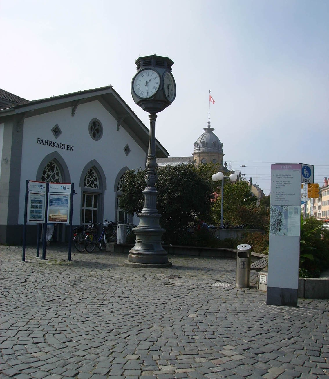 Point de recontre: l'horloge du port